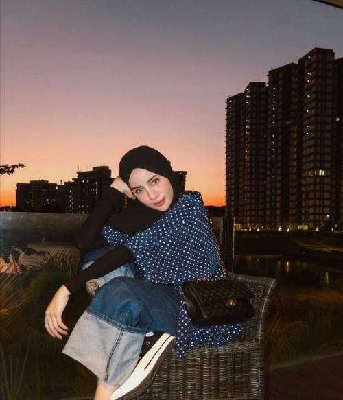 Gaya hijab polkadot kekinian