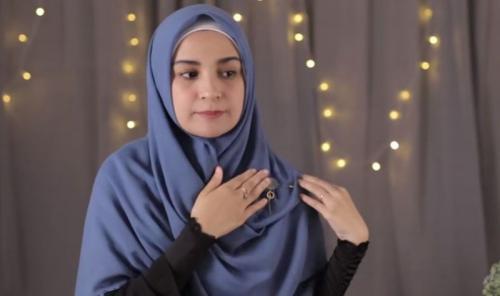 Tutorial Hijab Segi Empat Ala Shireen Sungkar Okezone Muslim