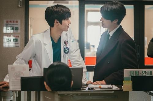 Yang Se Jong di Dr. Romantic 2