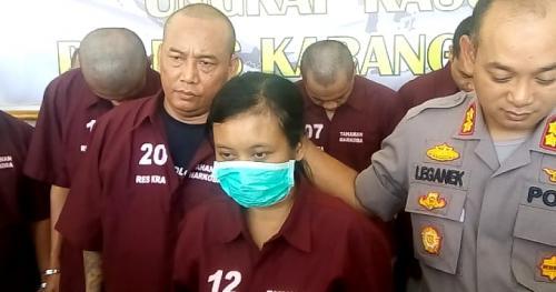 Sembilan tersangka penyalahgunaan narkoba ditangkap di Karanganyar, termasuk pasutri. (Foto : Okezone.com/Bramantyo)