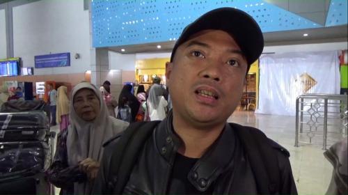 Seorang jamaah umrah asal Palu, Andi Ical, batal berangkat ke Arab Saudi. (Foto : Okezone.com/Herman Amiruddin)