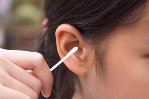 Bersihkan Telinga