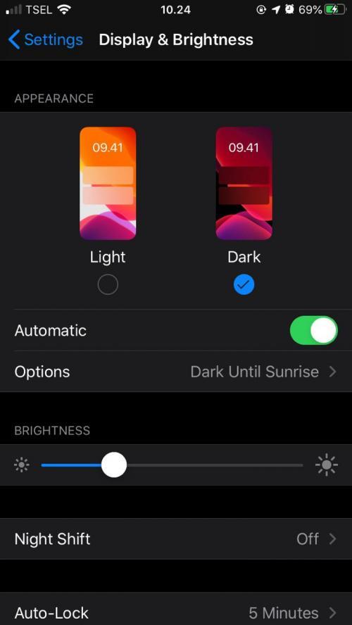 Langkah Mudah Menerapkan Mode Gelap di iPhone
