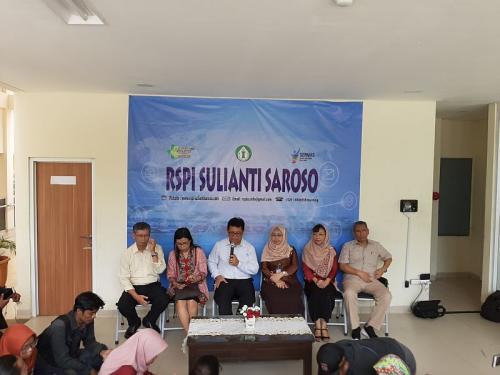 Konferensi Pers Direksi RSPI Sulianti Saroso soal Psien Positif Virus Korona (foto: Okezone/Harits TA)