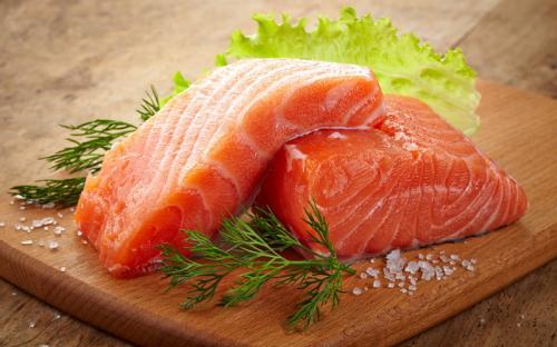 Ikan adalah sumber asam lemak dan protein omega-3 yang membantu memelihara kesehatan jantung, tetapi rendah lemak jenuhnya.