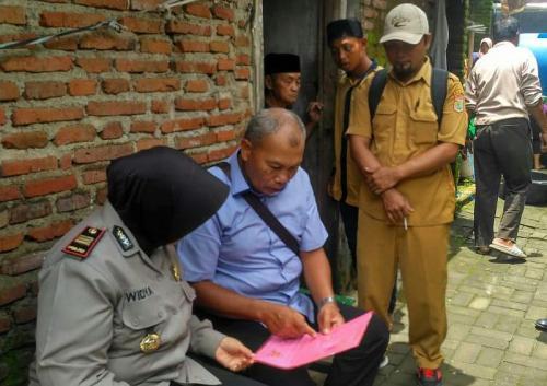 Diduga Tewas Bunuh Diri, Pasutri di Malang Tinggalkan Surat Wasiat (foto: Polsek Wagir, Malang)