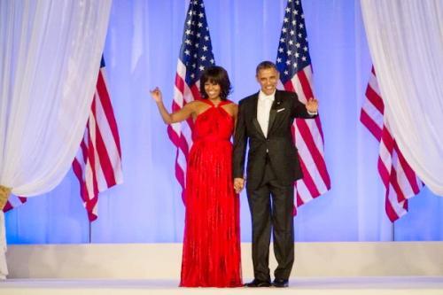 Gaun Merah Obama