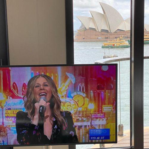 Rita Wilson saat konser di Australia