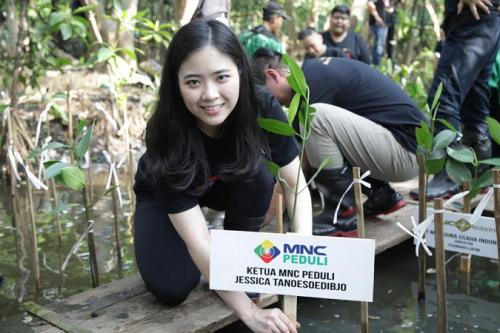 Peduli Lingkungan, MNC Leasing Gandeng MNC Peduli Tanam 1000 Pohon Mangrove di kawasan Pantai Indah Kapuk Jakarta Utara. (Ist)