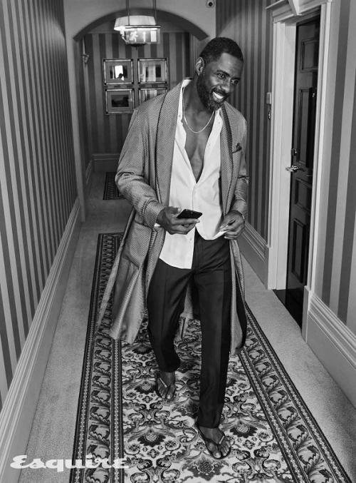 Idris Elba positif Corona. (Foto: Esquire)