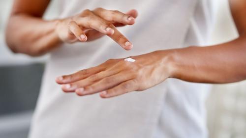 merawat tangan