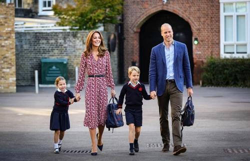 Pangeran William bersama Kate Middleton dan dua anak mereka. (Foto: Instagram/@kensingtonpalace)