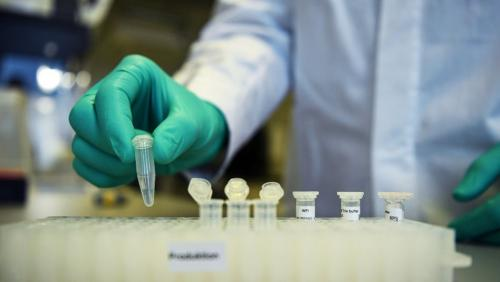 Vaksin Corona Diujicoba di Lab