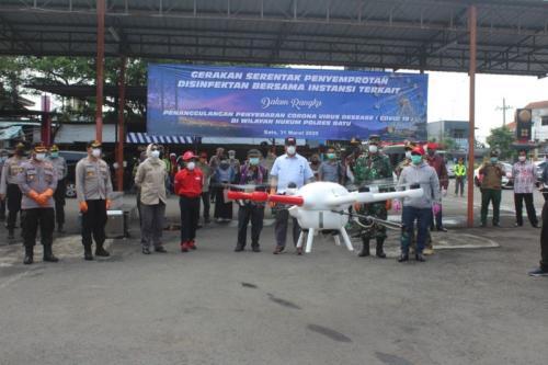 penyemprotan disinfektan di Malang foto: ist/Avirista