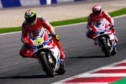 Andrea Iannone dan Dovizioso berebut kursi di Ducati Corse (Foto: MotoGP)
