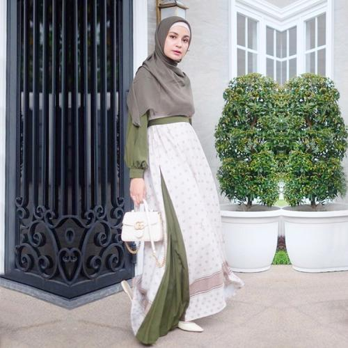 Gaya Hijab Shireen Sungkar
