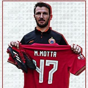Marco Motta baru musim ini bergabung dengan Persija Jakarta