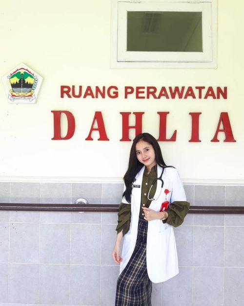 dokter stella