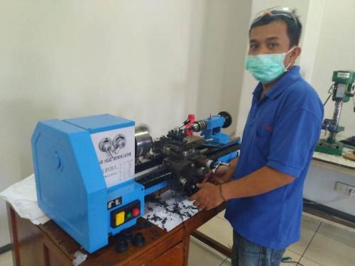 Pembuatan ventilator portabel Vent-I. (Foto: Tim Pengembang Vent-I/itb.ac.id)