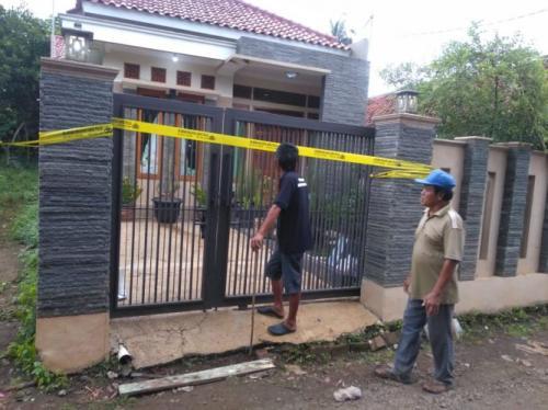 Rumah satu keluarga di Purwakarta korban pembacokan. (Foto: Mulyana/Okezone)