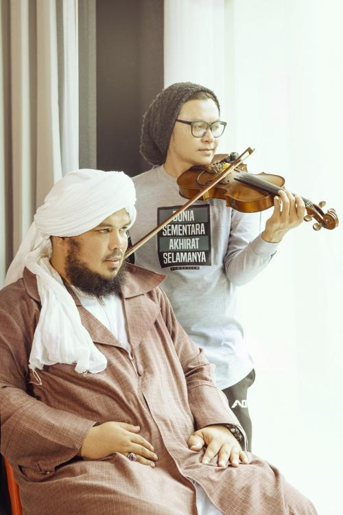 Ustadz Derry Sulaiman dan Aya Ibrahim