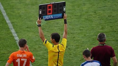 Pergantian Pemain (Foto: UEFA)