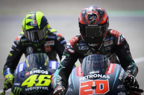 Valentino Rossi dan Fabio Quartararo bertukar tempat (Foto: MotoGP)