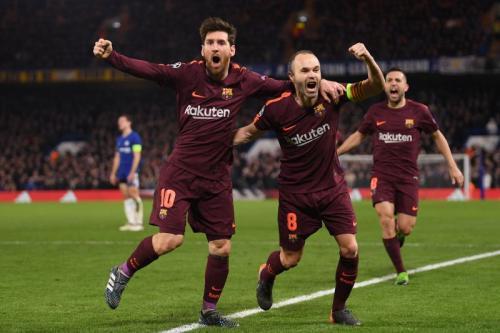 Lionel Messi dan Anders Iniesta