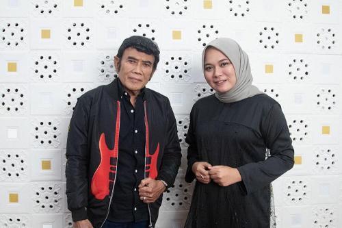 Rhoma Irama dan Anisa Rahman