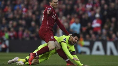 Andrew Robertson vs Lionel Messi