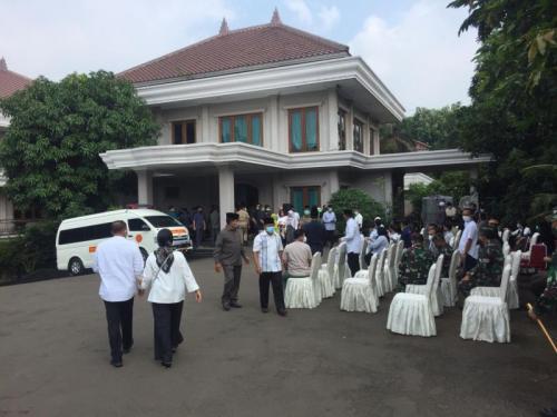 Suasana di rumah duka Djoko Santoso. (Foto: Okezone.com/Harits Tryan)
