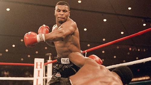 Mike Tyson muda terbiasa bertarung belasan kali setahun