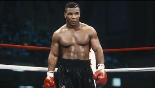 Mike Tyson (Foto: Istimewa)
