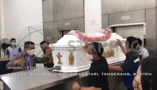 Prosesi kremasi Henky Solaiman. (Foto: Starpro Indonesia)