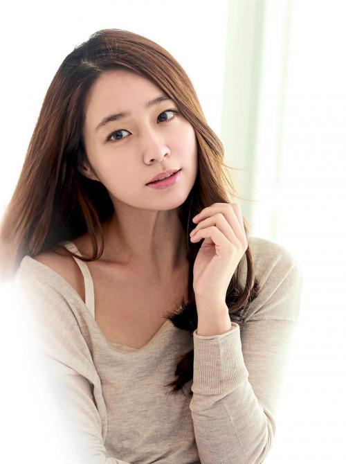 Lee Min Jung.