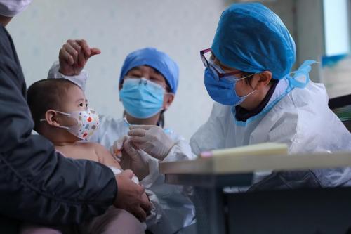 Ilustrasi vaksinasi covid-19 pada anak.