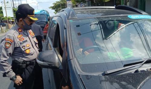 Polisi berjaga untuk mengantisipasi pemudik masuk wilayah Jabar. (Ist)