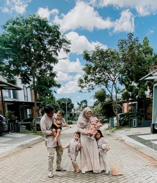 ricky harun dan keluarga