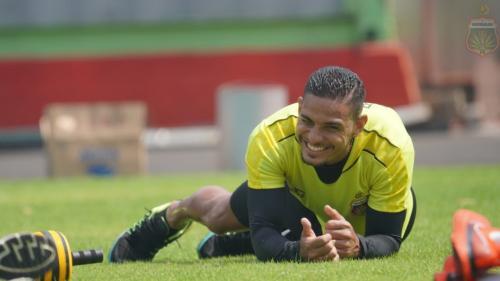 Renan Silva dan kawan-kawan berlatih secara mandiri (Foto: Bhayangkara FC)