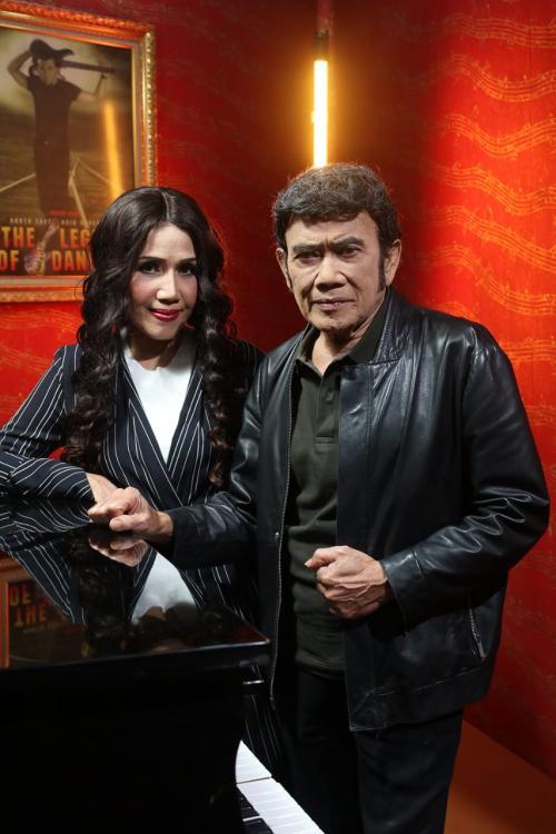 Rhoma Irama dan Rita Sugiarto