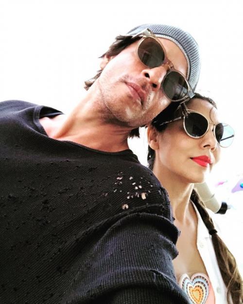 Shah Rukh Khan dan Gauri. (Foto: Instagram/@iamsrk)