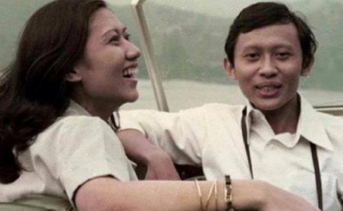 Ani Yudhoyono dan Pramono Edhie saat masih muda