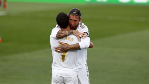 Eden Hazard dan Sergio Ramos (Foto: Twitter/@realmarid)
