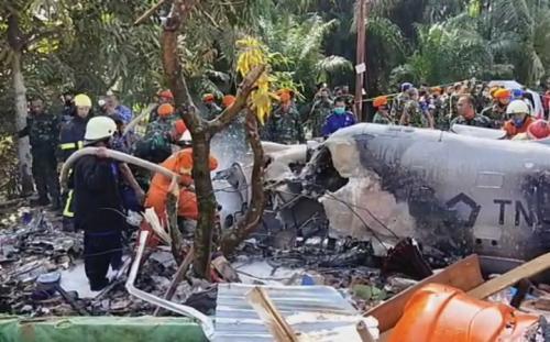 Pesawat TNI AU jatuh di Kampar, Riau. (Tangkapan layar iNews TV)