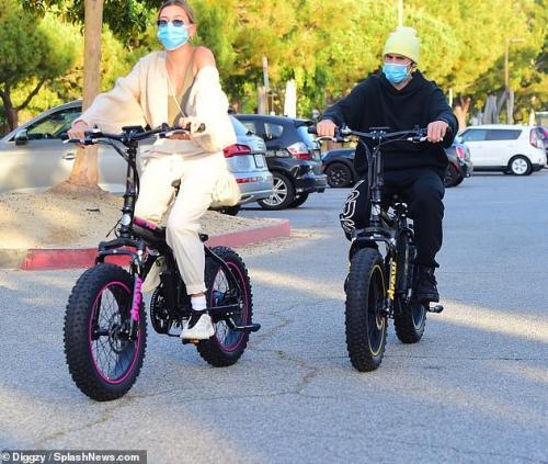 Justin Bieber dan Hailey