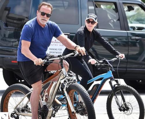 Arnold Schwarzenegger dan pacar baru