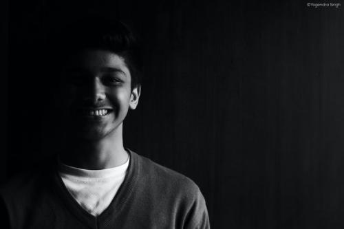 Ilustrasi senyum. (Foto: Unsplash)
