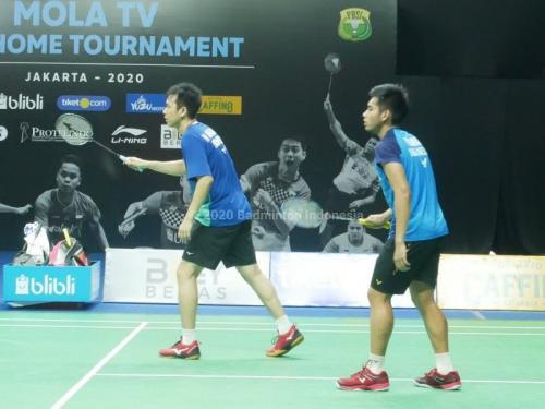 Aksi Hendra/Pramudya di Home Tournament