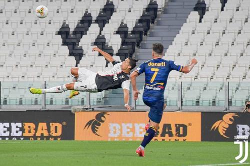 Cristiano Ronaldo vs Lecce (Foto: Twitter/@juventusfcen)
