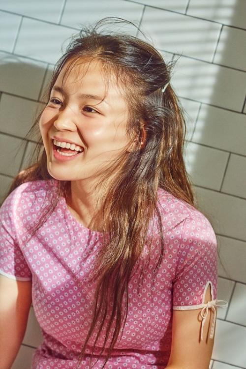 Lee Hi. (Foto: Allure Magazine)